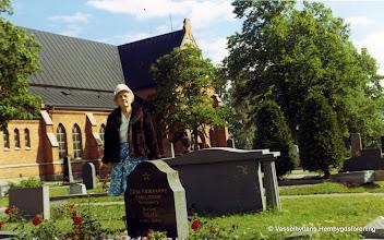 Photo: Familjen Eriksson, Västantorp, familjegrav vid Guldsmedshyttans kyrka
