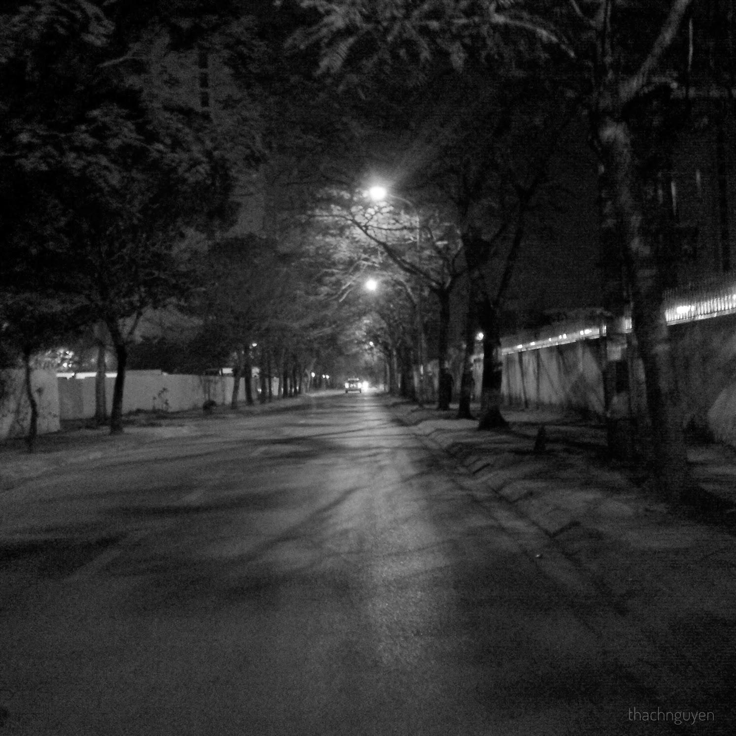 đêm muộn