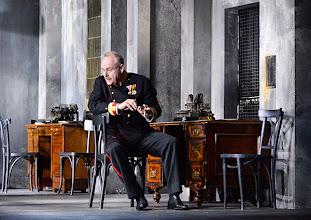 Photo: WIEN/ Theater in der Josefstadt: DIE SCHÜSSE VON SARAJEVO von Milan Dor und Stephan Lack. Premiere 3. April 2014. Inszenierung; Herbert Föttinger. Toni Slama.  Foto; Barbara Zeininger