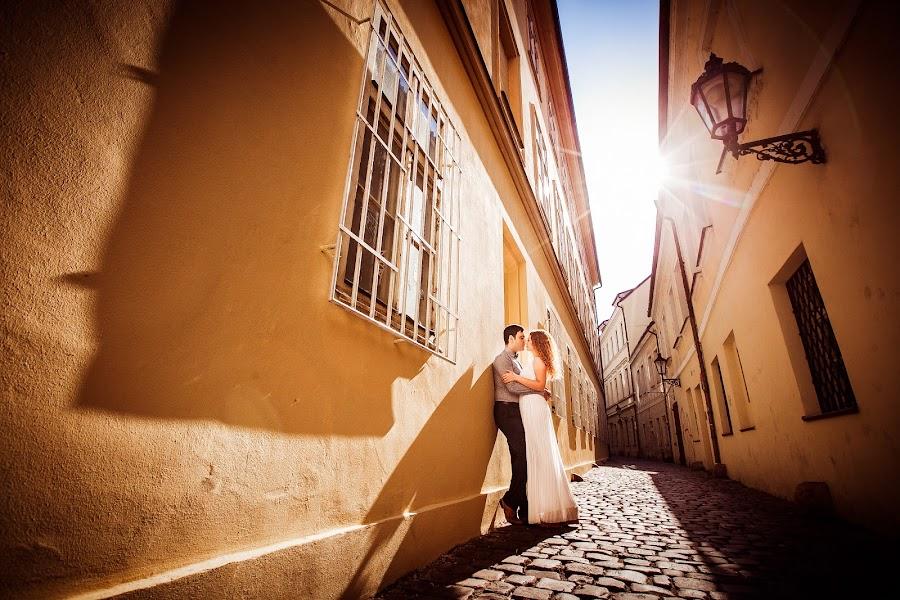 Wedding photographer Constantine Gololobov (gololobov). Photo of 15.03.2016