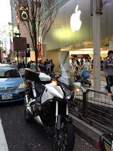 Photo: たまには、街に乗り付けて、賑わいを感じよう(^_^;)。