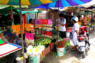 Photo: Day 330 - Flower Stall in Tak
