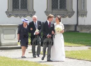 Photo: The bridal Couple walks through the Inner Court
