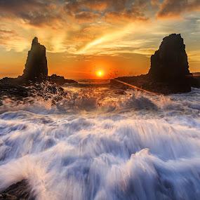 Awash by Andy Hutchinson - Landscapes Sunsets & Sunrises ( kiama, sunrise )