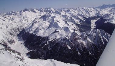 Photo: Plaine du Soussouéou à gauche, Vallée du gave de Brousset à droite derriere Fabréges.