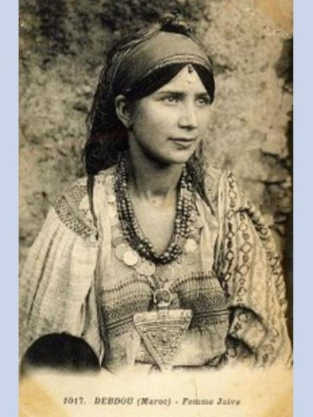 GNAWA GNAOUA WOMAN