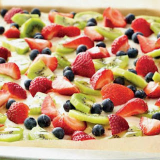 Gluten-Free Easy Fruit Pizza