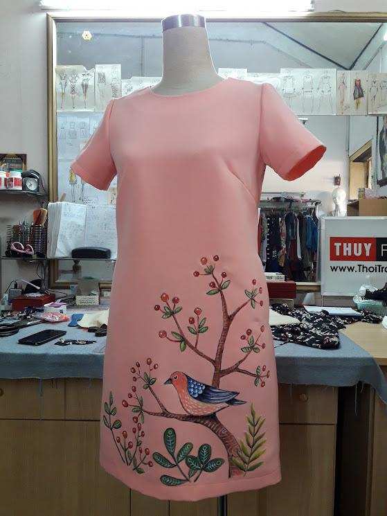 Váy vẽ tay họa tiết hoa và chim V363 thời trang thủy