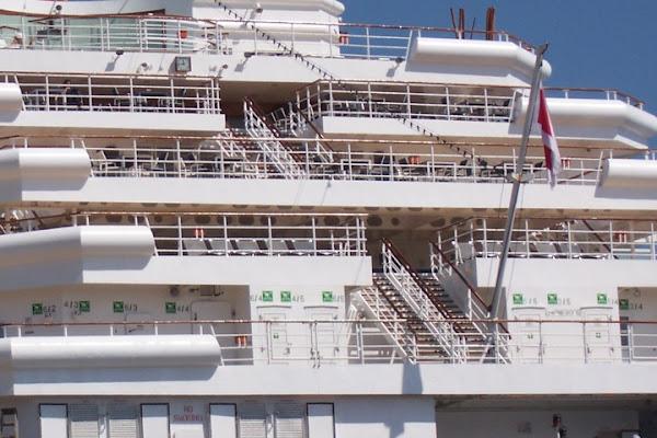 Scale sulla nave di Antonio De Felice