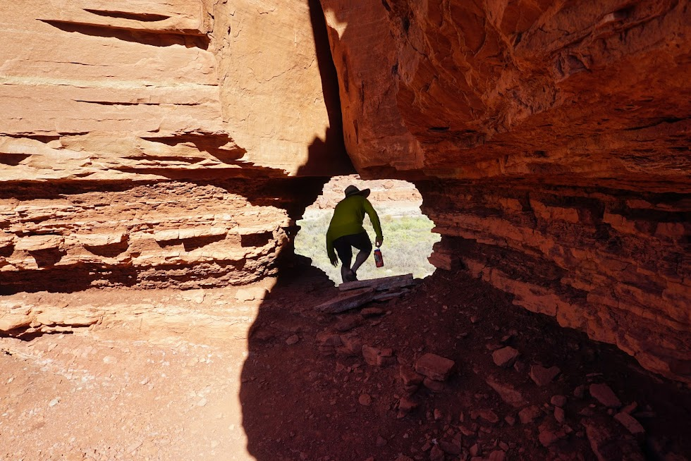 Hunting for petroglyphs and Ancestral Puebloan Ruins - Canyonlands National Park, Utah