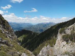 Photo: ..sa desne strane nastavak Eisenerzer Alpi (čiji sam trenutno dio) a sa lijeve strane kanjona (kud ide autoput) Seckauer Alpe..