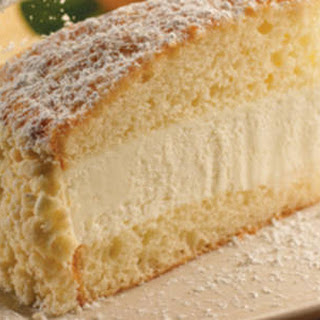 Olive Garden's Lemon Cream Cake