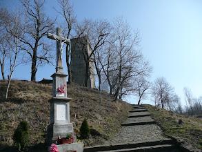 Photo: cesta k vyhlídkové věži na kraji obce Wlodzienin. Bohužel ta byla ještě zavřená