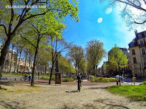 Photo: Le vieux Versailles et l'avenue de Sceaux, en repartant du château de Versailles - e-guide balade à vélo de Meudon au Château de Versailles par veloiledefrance.com