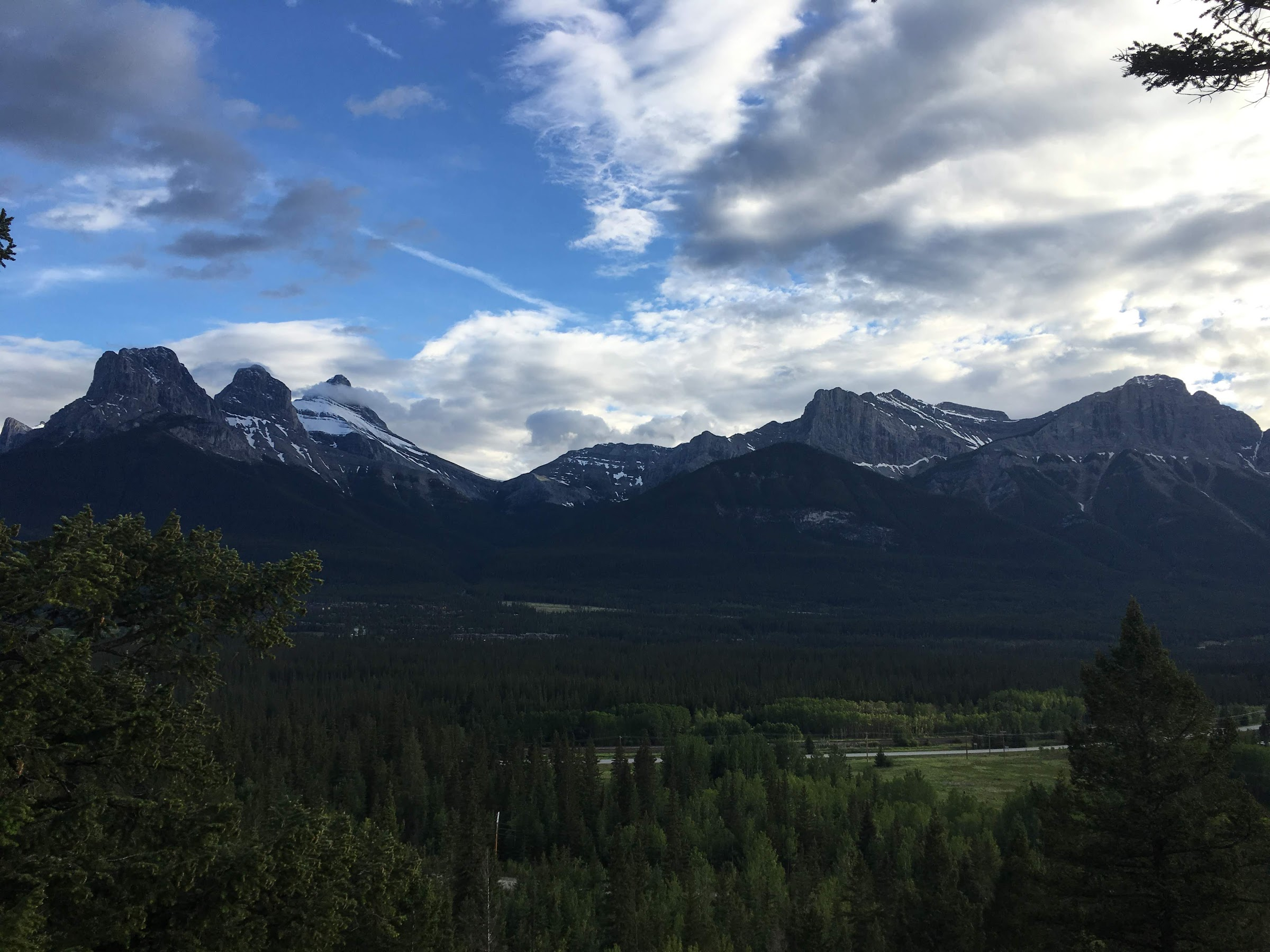Have 3 days in Banff? Follow this Banff 3 Day Summer Itinerary to see all the highlights in Banff, Canada #banff #alberta #canada #visitBanff #Banffitinerary