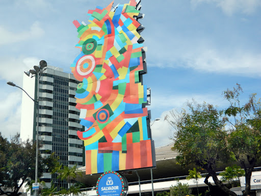 salvador-prefietura.jpg - A colorful sculpture made in the center of the city's financial district.