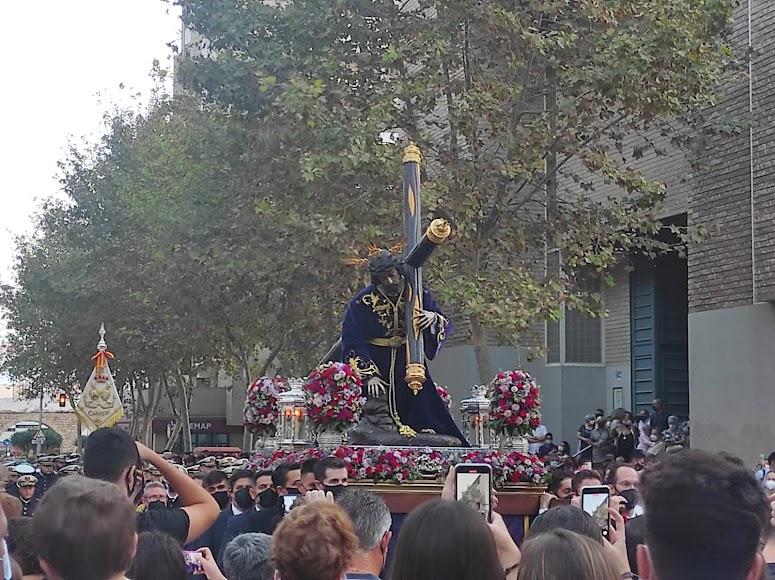 La banda del Carmen, tras el Señor de Salud y Pasión.