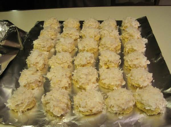 Italian Cookies With Coconut Topping