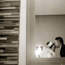 Wedding photographer Yudiarie Wid (yudiari). Photo of 27.11.2014