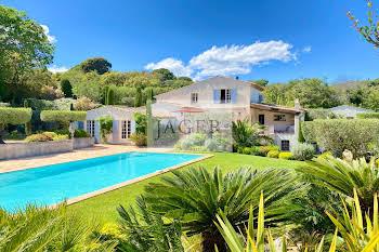 Villa 9 pièces 260 m2