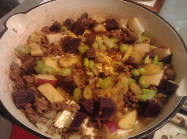 In medium saucepan, cook ground beef drain and set aside. To same pan add tablespoon...