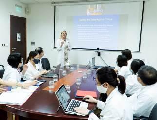 """Hợp tác với các đối tác hàng đầu thế giới, Vinmec """"đón đầu"""" công nghệ điều trị ung bướu tại Việt Nam"""