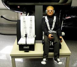 Photo: Guten Abend Frau Pfannmüller, guten Abend Herr Pfannmüller,   anbei die versprochenen Bilder der Hughes 500 D im Maßstab 1:2,7 mit Ihrem Piloten.  Leider hat es etwas länger gebraucht die Maschine fertig zu stellen, aber nun kann ich das Ergebnis vorzeigen und möchte mich noch mal für Ihre perfekte Arbeit bedanken   Danke und mit freundlichen Grüßen  Christian Neumann