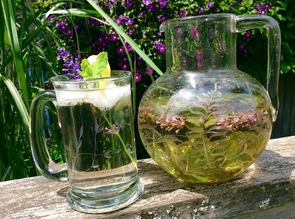 Lavender-lemon Balm Iced Tea