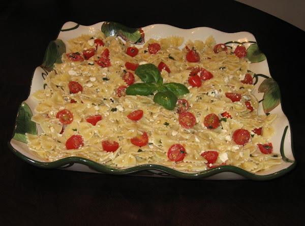 Bow Tie Pasta & Tomatoes Recipe