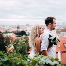Wedding photographer Olya Khmil (khmilolya). Photo of 19.11.2018
