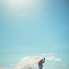 Wedding photographer Anatoliy Pavlov (OldPhotographer). Photo of 22.12.2013