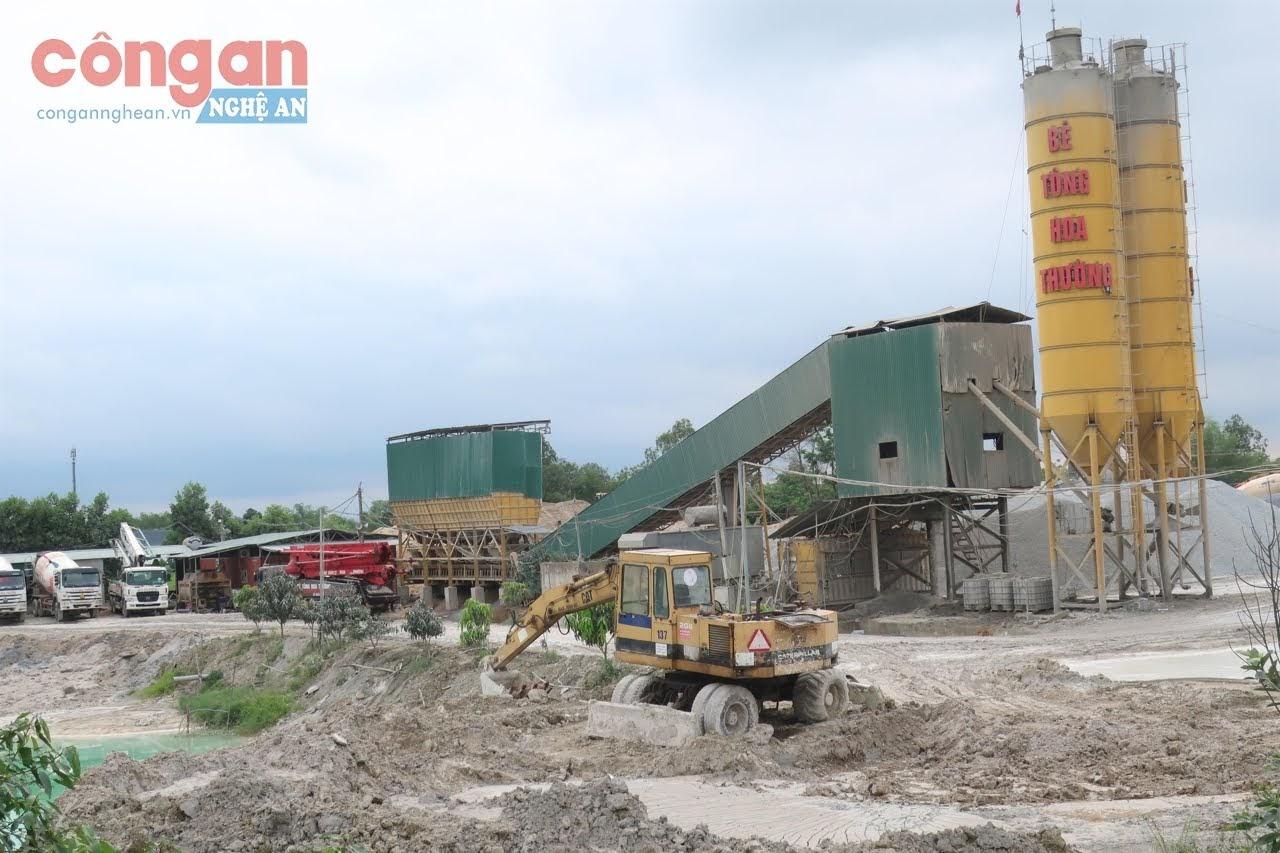 Trạm trộn bê tông Hoa Thường hoạt động nhiều năm, song chưa hoàn thành thủ tục đất đai