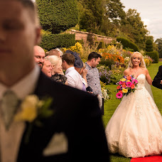 Свадебный фотограф Neil Redfern (neilredfern). Фотография от 07.09.2017