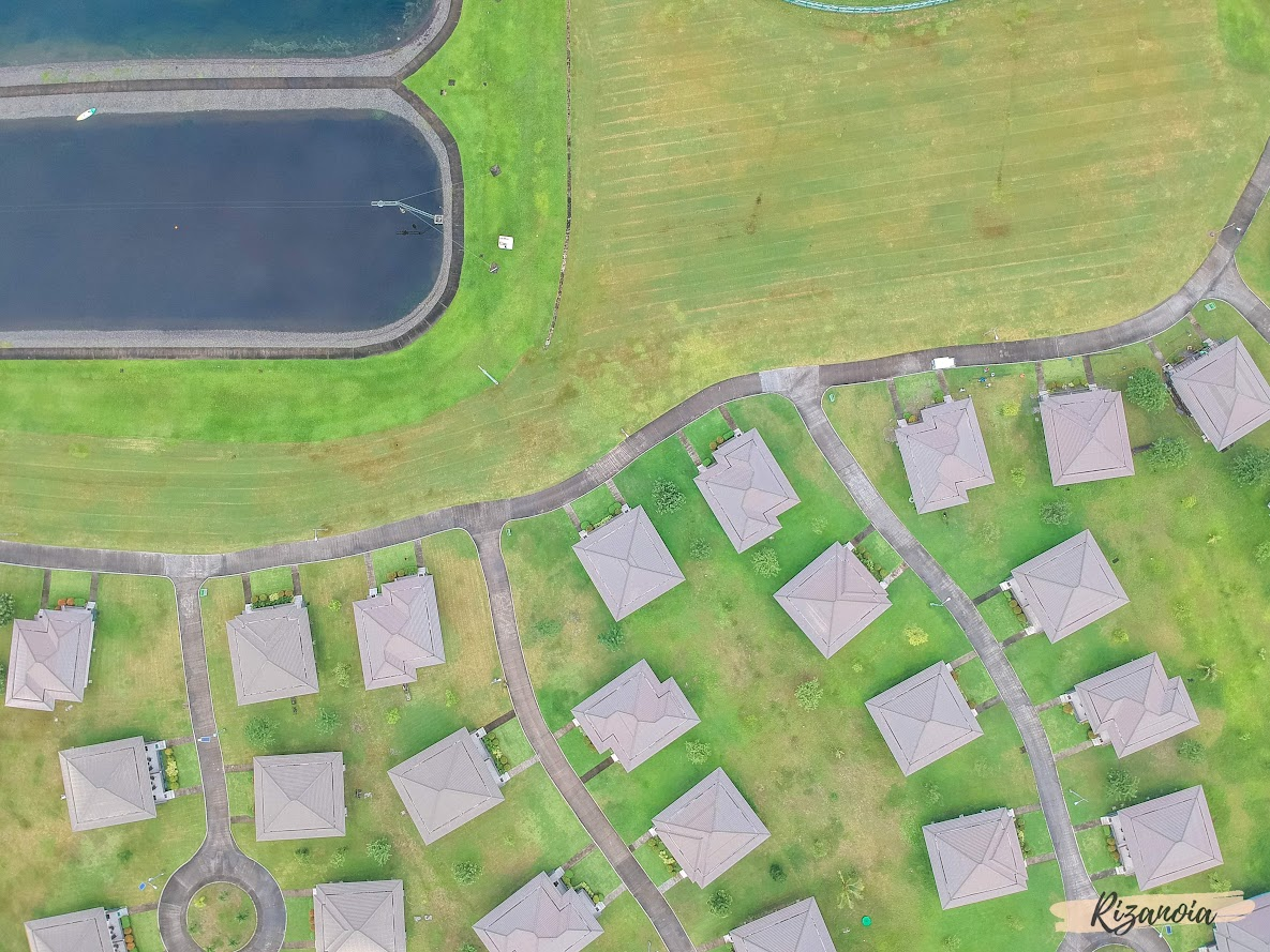 drone shot of villas in Pradera Verde
