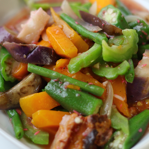 Pinkabet Tropical Vegetables in Shrimp Paste Rice Combo