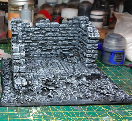 The ruin, painted grey with depth added with a lighter grey highlight