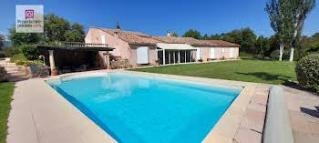 Villa 7 pièces 274,5 m2