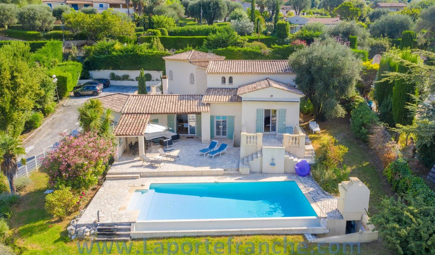 House with pool Vence