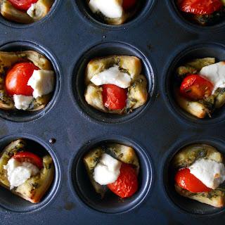 Tomato Caprese Puff Pastry Bites