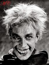 """Photo: Conrad Veidt em """"O Homem que Ri"""": a caracterização certamente foi inspiração para o personagem """"Coringa"""". http://filmesclassicos.podbean.com"""
