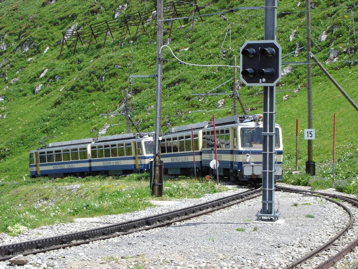 Train à crémaillère aux Rochers-de-Naye