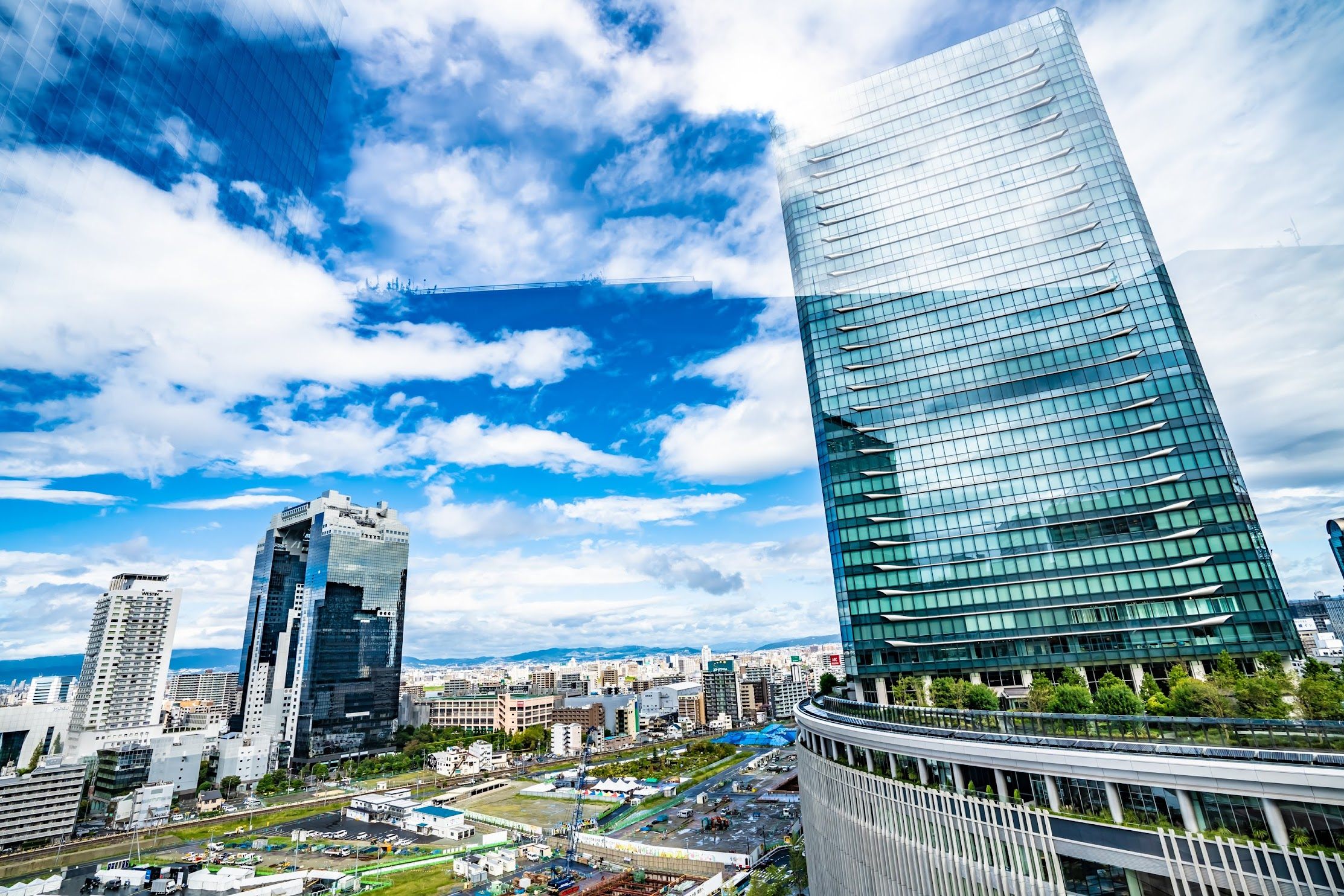 Osaka Station City Kaze-no-hiroba Plaza3