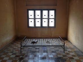 Photo: Sale de torture de la prison S-21