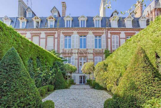 Hôtel particulier avec jardin