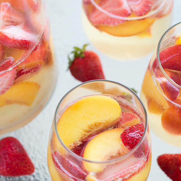 Sparkling Peach and Strawberry Sangria Recipe