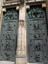 Photo: The doors to St. Vitus Cathedral