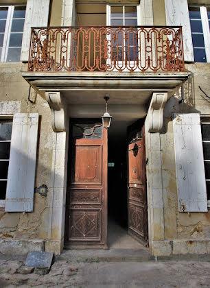 Vente propriété 8 pièces 370 m2