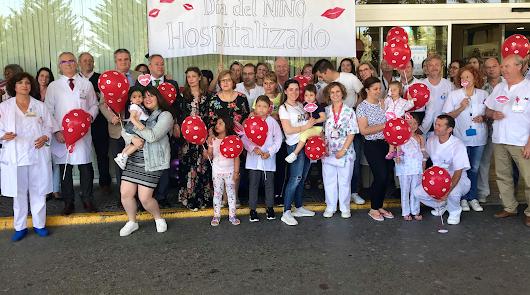 Torrecárdenas conmemora el Día del Niño Hospitalizado con una marea de besos