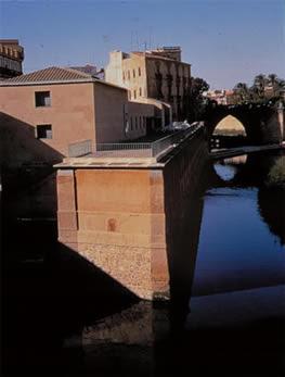 Photo: Cola y terraza de los molinos desde la pasarela