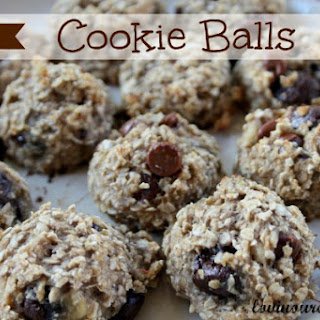 1 Point Cookie Balls made with Oats, Banana, & Mini Chocolate Peanut Butter Cups
